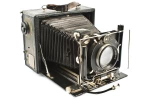 OldCamera_shutterstock_69755206